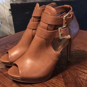 Tan size 10 heels by Brash